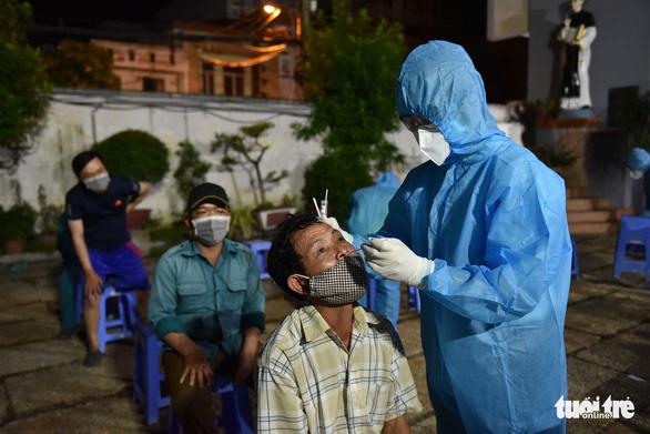 TP.HCM phát hiện 5 trường hợp mắc COVID-19 ở quận Tân Bình - Ảnh 1.