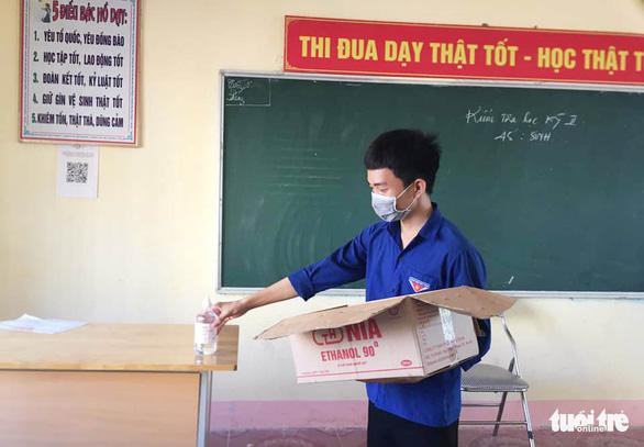 Nghệ An, Hà Tĩnh khử khuẩn toàn bộ trường thi vào lớp 10 - Ảnh 3.