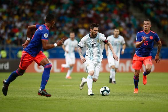 Sau Colombia, tới Argentina mất quyền đăng cai Copa America - Ảnh 1.