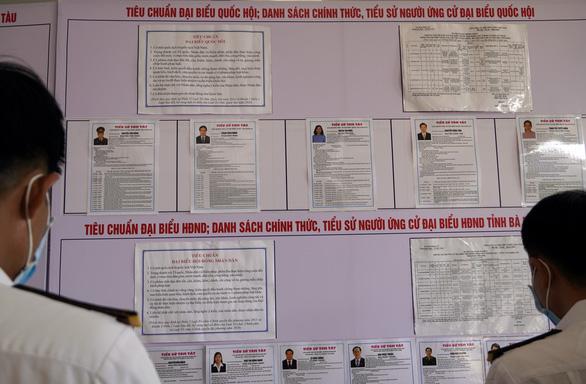 Cử tri hải quân, cảnh sát biển đi bầu cử sớm ở Vũng Tàu - Ảnh 2.