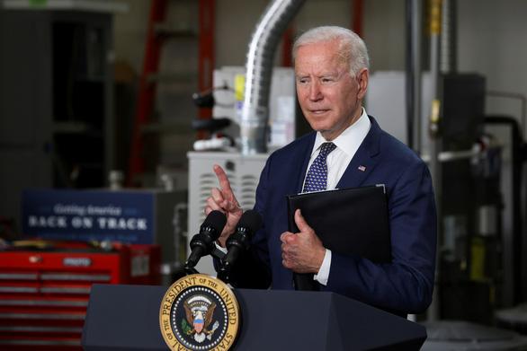 Ông Biden giữ lời hứa: nâng mức tiếp nhận từ 15.000 người lên 62.500 người tị nạn - Ảnh 1.