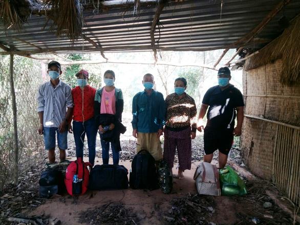 Kịp thời ngăn chặn 12 người chuẩn bị nhập cảnh trái phép vào Việt Nam - Ảnh 2.