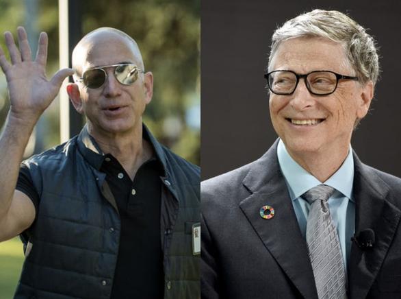 Vì sao tỉ phú Bill Gates và Jeff Bezos thích... rửa chén? - Ảnh 1.