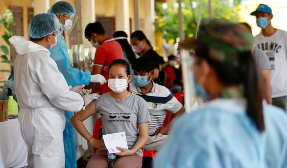 Khmer Times dự báo số ca COVID-19 cao chưa từng có ở Campuchia ngày 4-5 - Ảnh 1.