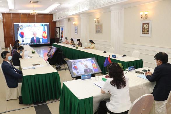 Cải thiện bình đẳng giới, ASEAN có thể 'thu lợi' 370 tỉ USD - Ảnh 2.