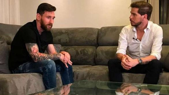 Messi sẽ ở lại Barca thêm 2 năm nữa và Neymar về lại Nou Camp - Ảnh 1.