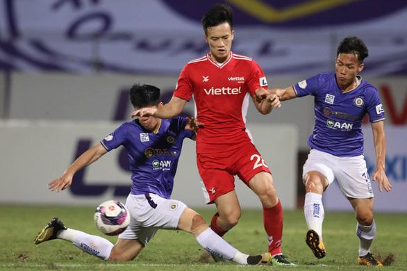"""Hà Nội không cho tổ chức trận Viettel - Hồng Lĩnh Hà Tĩnh, V-League lại… """"khốn khổ"""" - Ảnh 1."""