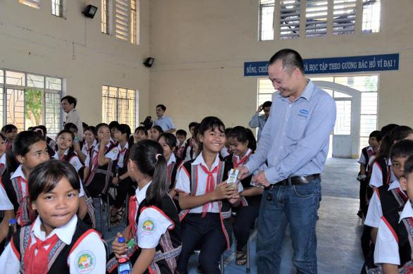 Chiến dịch online của Vinamilk góp thêm 31.000 ly sữa tặng trẻ em khó khăn - Ảnh 4.