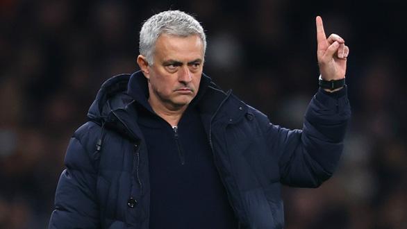 HLV Mourinho ký hợp đồng dẫn dắt AS Roma mùa tới - Ảnh 1.