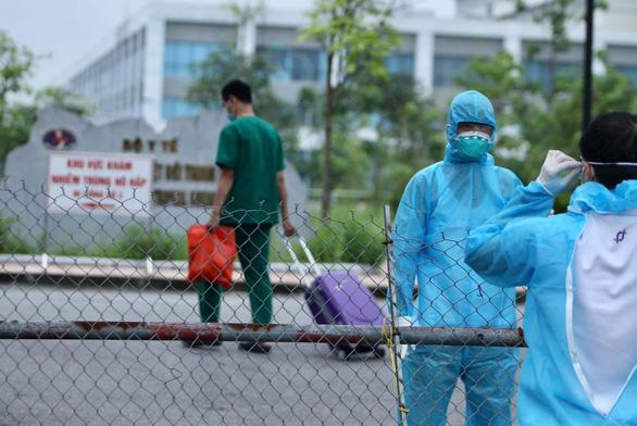 Cách ly y tế Bệnh viện Bệnh nhiệt đới trung ương cơ sở Đông Anh - Ảnh 3.