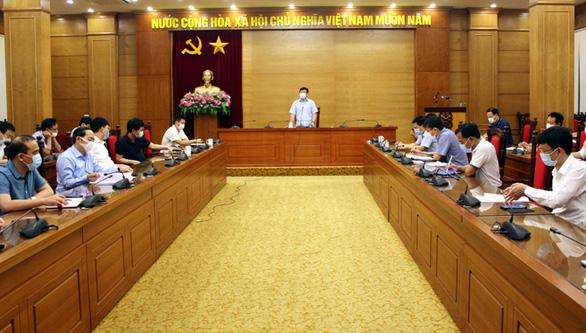 Thêm 8 ca nghi dương tính liên quan chuyên gia Trung Quốc, Vĩnh Phúc họp khẩn - Ảnh 2.