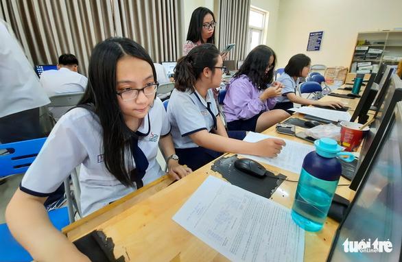 Hơn 550.000 thí sinh đã đăng ký thi tốt nghiệp THPT 2021 - Ảnh 1.