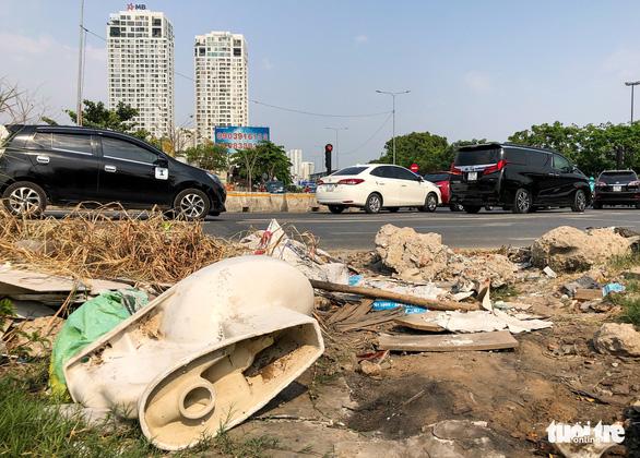 Đường Sài Gòn đâu phải bãi rác, rác ở đâu cứ mọc ra đống đống? - Ảnh 5.