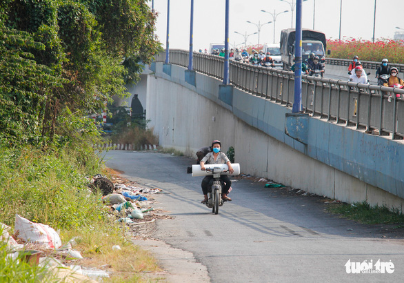 Đường Sài Gòn đâu phải bãi rác, rác ở đâu cứ mọc ra đống đống? - Ảnh 10.