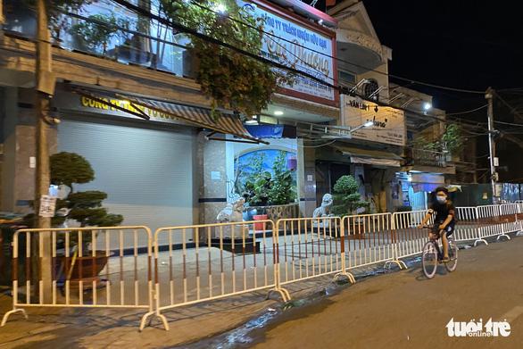 Phong tỏa đoạn đường trước nhà ca dương tính COVID-19 ở Long Khánh 21 ngày - Ảnh 3.