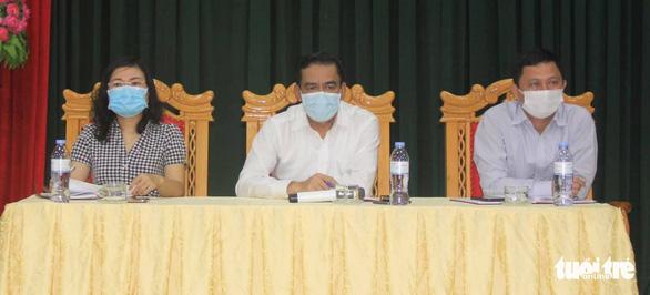 Hai người nghi tái nhiễm COVID-19 sau cách ly, Hà Tĩnh họp khẩn - Ảnh 1.