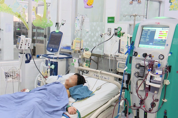 6 trẻ chung gia đình nhập viện sau khi ăn chung nhiều món, 1 trẻ tử vong - Ảnh 1.