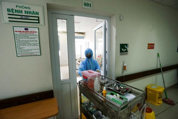 Một ca COVID-19 ở Bệnh viện Bệnh nhiệt đới trung ương đi ăn giỗ, ăn cưới - Ảnh 1.