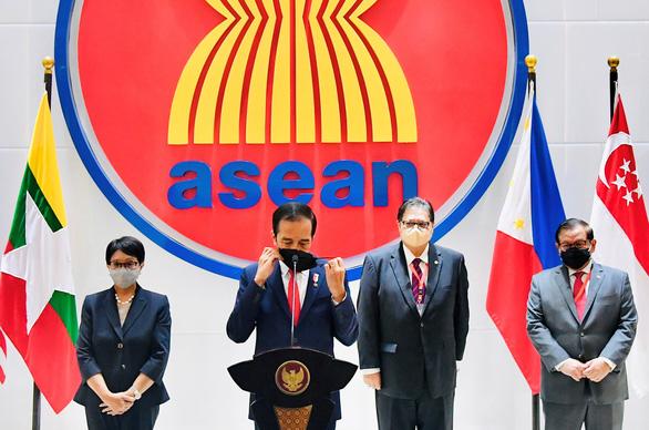 Trung Quốc muốn họp với ASEAN vào tháng sau - Ảnh 1.