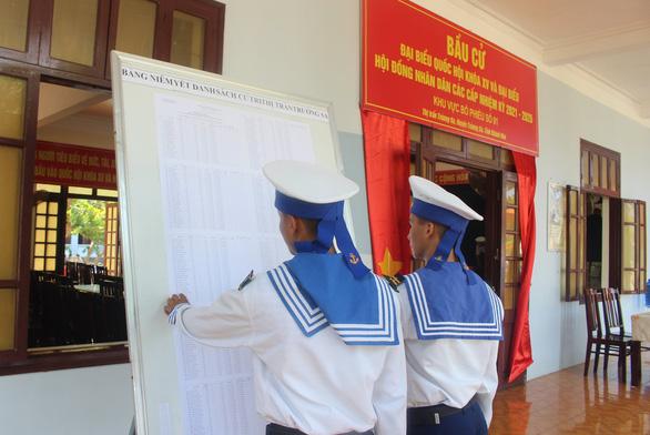 Huyện Trường Sa thực hiện 2 đợt bầu cử - Ảnh 2.