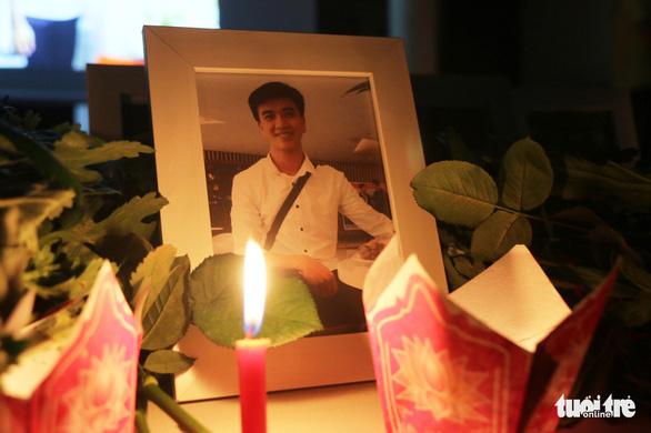 Truy tặng Huân chương Dũng cảm cho sinh viên Nguyễn Văn Nhã - Ảnh 1.