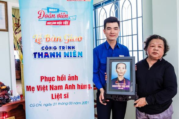 Sinh viên phục hồi 20 di ảnh Mẹ Việt Nam anh hùng, liệt sĩ - Ảnh 3.