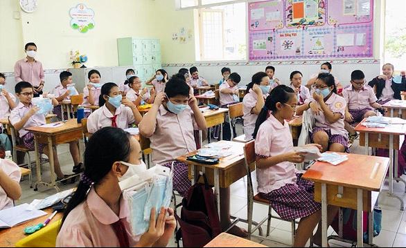 NÓNG: Học sinh TP.HCM ngừng đến trường từ ngày 10-5 - Ảnh 1.