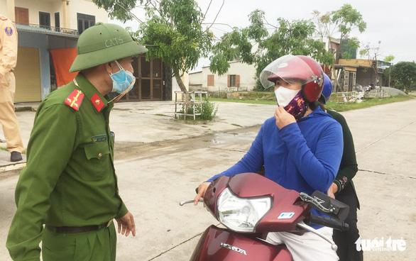 Hà Tĩnh phong tỏa hai thôn hơn 1.800 người sau 2 ca tái dương tính - Ảnh 2.