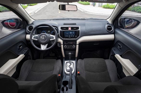 Toyota Việt Nam tặng 1 năm bảo hiểm cho khách hàng mua Rush - Ảnh 2.