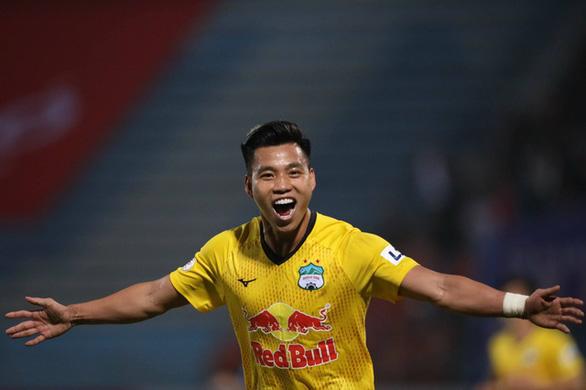 Kiatisak tự hào vì 7 cầu thủ Hoàng Anh Gia Lai được lên tuyển Việt Nam - Ảnh 2.