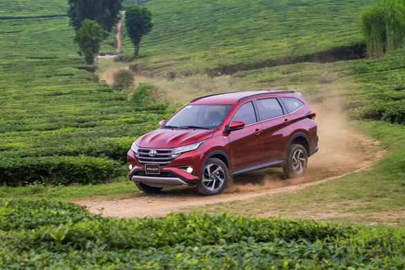 Toyota Việt Nam tặng 1 năm bảo hiểm cho khách hàng mua Rush - Ảnh 3.