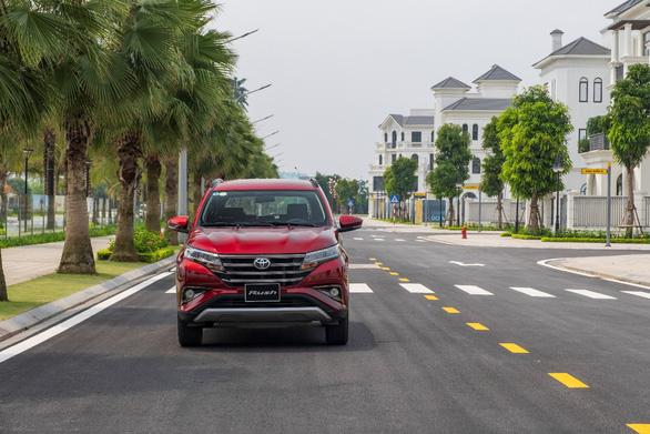 Toyota Việt Nam tặng 1 năm bảo hiểm cho khách hàng mua Rush - Ảnh 4.