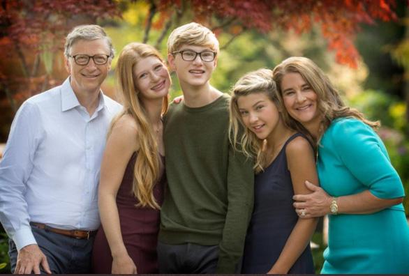 Bạn trẻ nghĩ gì về cuộc chia tay của vợ chồng Bill Gates? - Ảnh 1.
