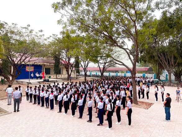 Bình Thuận tạm dừng thi thử tốt nghiệp THPT năm 2021 - Ảnh 1.