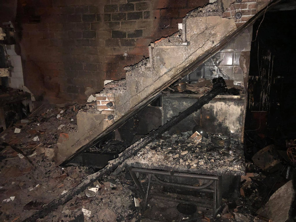 Cháy lớn nhà dân ở quận 11 - TP.HCM, 8 người chết - Ảnh 2.