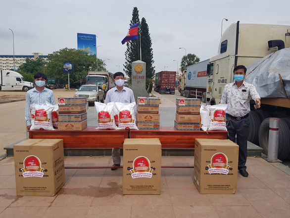 Giúp đỡ người gốc Việt, người Khmer tại Campuchia gặp khó khăn do COVID-19 - Ảnh 1.