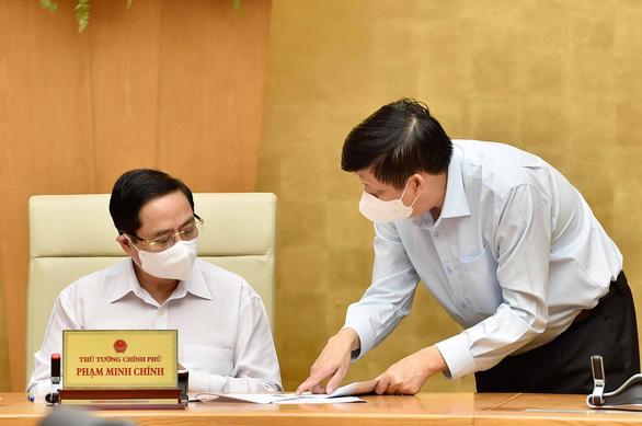 Bộ trưởng Bộ Y tế: Dịch phức tạp hơn, tốc độ lây nhiễm cao hơn - Ảnh 2.