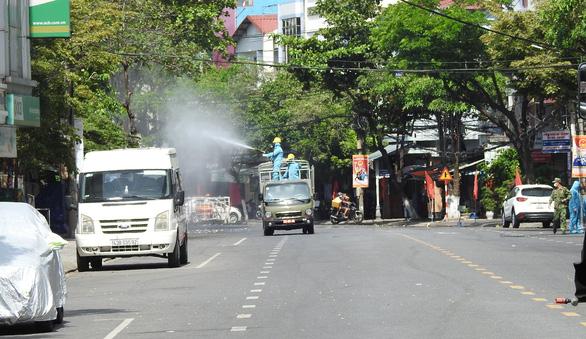 Cách ly xã hội toàn TP Vĩnh Yên, Đà Nẵng xét nghiệm tài xế, Hưng Yên cấm tập trung quá 20 người - Ảnh 1.