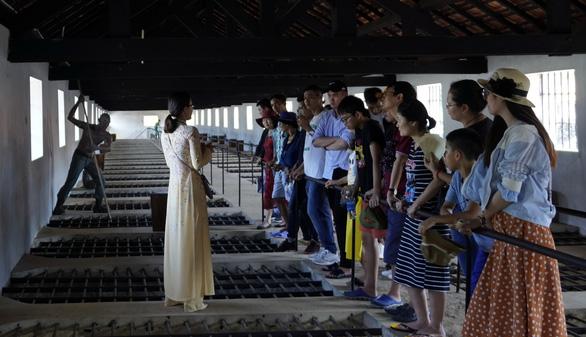 Tạm dừng đón khách tham quan di tích quốc gia đặc biệt Côn Đảo - Ảnh 1.