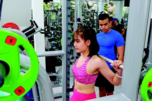 TP.HCM: Tạm dừng dịch vụ thể dục thể thao trong nhà, nhà hàng tiệc cưới... từ 18h ngày 7-5 - Ảnh 1.