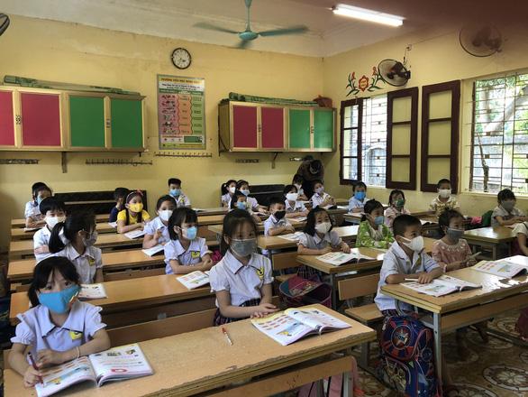Cập nhật: 19 tỉnh thành cho học sinh nghỉ học phòng COVID-19 - Ảnh 1.