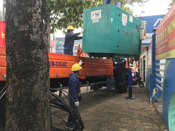 Điện lực TP.HCM đặt thêm 400 máy phát, đảm bảo cấp điện cho bầu cử - Ảnh 2.