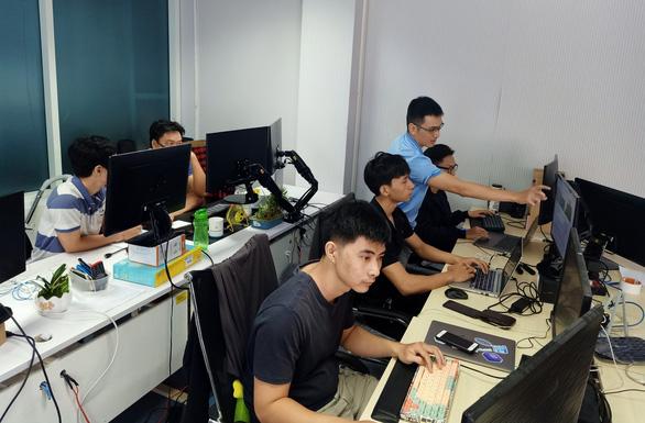 40% doanh nghiệp vừa và nhỏ tại Việt Nam phải cắt giảm nhân sự - Ảnh 1.