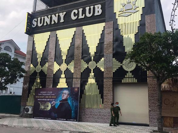 Vĩnh Phúc thu hồi giấy phép kinh doanh của quán bar Sunny - Ảnh 1.