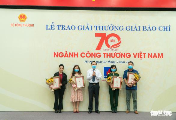 Cơ hội cuối cùng cho công nghiệp ôtô Việt Nam? đoạt giải A giải báo chí 70 năm ngành công thương - Ảnh 2.