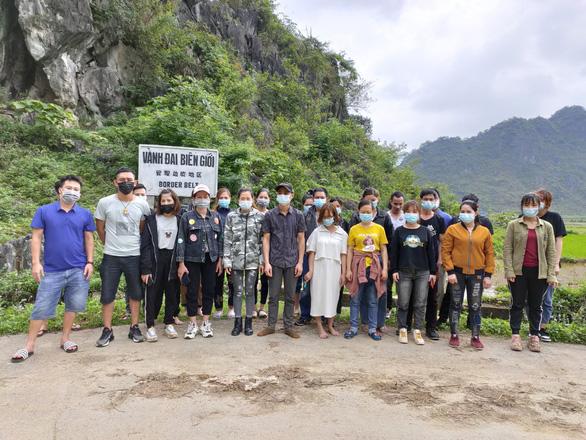 36 người về từ Trung Quốc tìm cách nhập cảnh trái phép lúc rạng sáng - Ảnh 1.