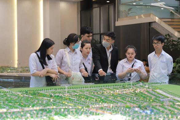 Hơn 120 sinh viên Nova College thực tập hưởng lương tại Novagroup - Ảnh 2.