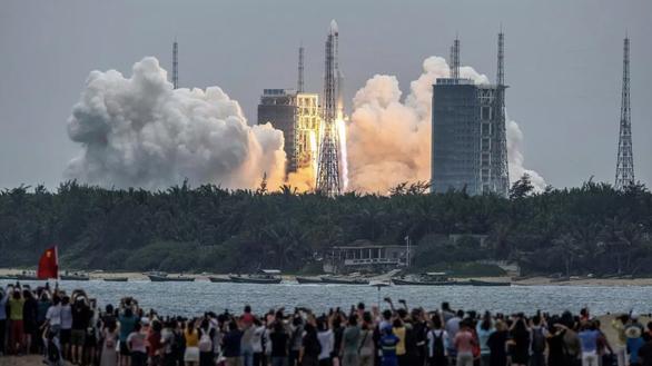 Mỹ không có kế hoạch bắn hạ tên lửa đang rơi của Trung Quốc dù có đủ năng lực - Ảnh 1.