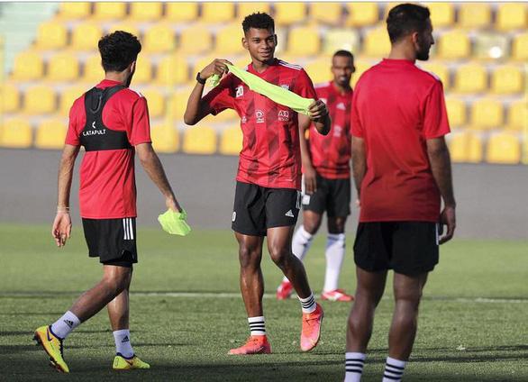 Vòng loại World Cup 2022: UAE chốt kế hoạch soán ngôi Việt Nam - Ảnh 1.