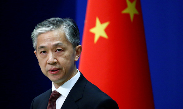 Mảnh vỡ tên lửa sắp rơi xuống Trái đất, Trung Quốc nói khả năng gây hại cực thấp - Ảnh 1.